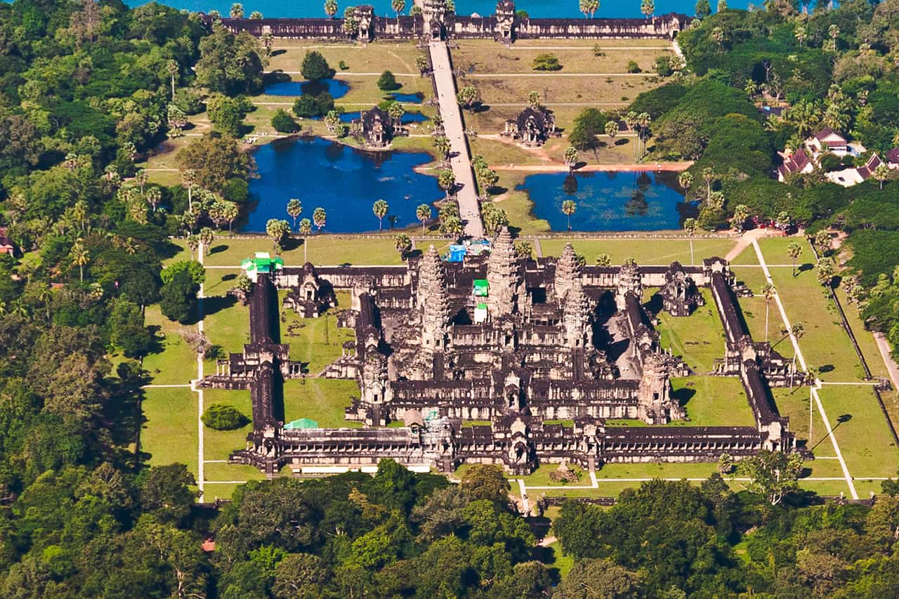 Small Circuit Angkor Wat Tour